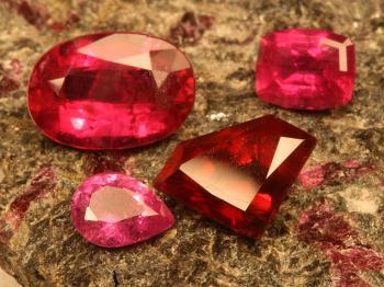 Greenland rubies  (Courtesy of Marc Choyt)