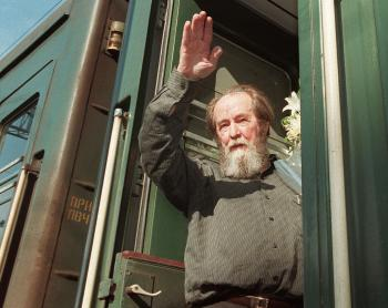 Russian Dissident Dead at 89