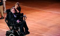 Steven Hawking Praised at New York Gala on June 4th