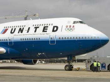 United Drops Plan to Charge for Transatlantic Meals