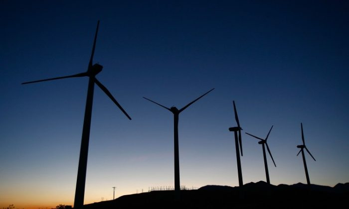 Giant wind turbines in California in May, 2008. The White House recently blocked a Chinese-owned company's attempts to acquire four wind farms in northern Oregon, citing security concerns. (David McNew/Getty Images)