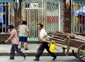 China's jobless migrant workers have reached 20 million.   (Goh Chai Hin/AFP/Getty Images)
