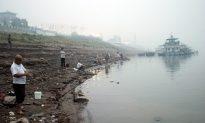 Waste Dumping Threatens the Yangtze River