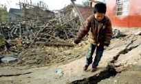 Frequent Aftershocks Fracture Yangtze River Levee