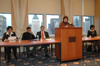 At the New York Press Club, Gail Rachlin of the Falun Dafa InfoCenter describes the CCP persecution of Falun Gong and how an Associated Press article was used in harassing phone calls.