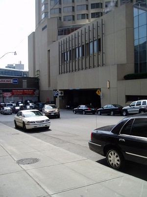 Hu Jintao entered his Toronto hotel via this underground parking entrance, avoiding the hundreds of protesters and appealers for human rights in China who were gathered at the main entrance. Hu visited Toronto on September 10, 2005. (The Epoch Times)