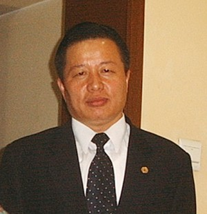 China's famous human rights lawyer Gao Zhisheng was taken away by police at noon on Friday, Jan. 13. (The Epoch Times)