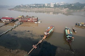 According to Zhou Shengxian, director of the State Environmental Protection Administration (SEPA), China has over 20,000 chemical factors distributed along major rivers, including 10,000 along the Yangtze River and 4,000 along the Yellow River. (China Photos/Getty Images)