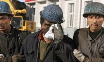 Guizhou Province Officials Abandon Trapped Miners