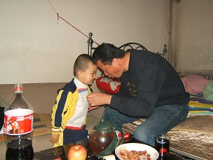 Being with his son is the happiest time for attorney Gao. (The Epoch Times)