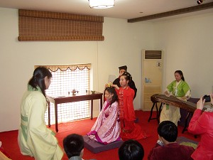 "The ""Ji ceremony,"" an ancient ceremony held when a girl turns fifteen, an age considered to become an adult. (The Epoch Times)"