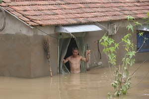 The aftermath of the flood—water rose waist-high in Wamen Village, Huaibin County, Henan Province. (The Epoch Times)