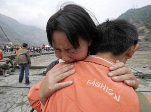 Earthquake victims in great grief. (Getty Images)