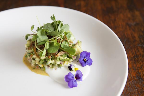 Crisp Vegetable Salad. (Samira Bouaou/Epoch Times)