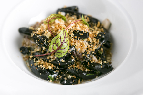 Squid Ink Cavatelli with scallops and shrimp.(Samira Bouaou/Epoch Times)