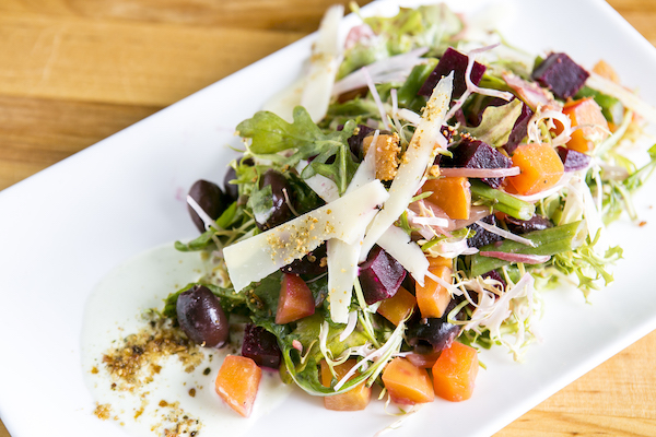 Beet salad. (Samira Bouaou/Epoch Times)