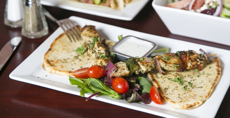 Chicken Skewers with yogurt dip. (Samira Bouaou/Epoch Times)