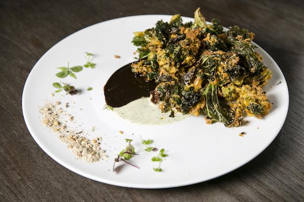 Crisp Kale Bhel. (Samira Bouaou/Epoch Times)
