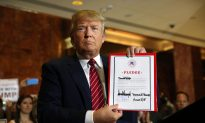 Trump Signs Pledge to Back GOP's 2016 Presidential Nominee