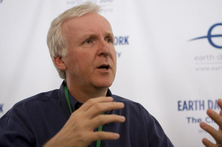 VISIONARY: James Cameron, Director of the two highest grossing films of all time, 'Avatar' and 'Titanic' discusses environmental issues with members of the media at Earth Day 2010 Climate Rally in Washington D. C. (Lisa Fan/The Epoch Times)