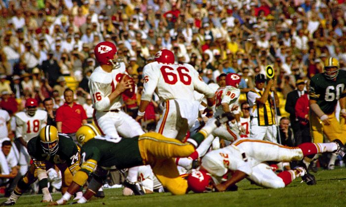 Kansas City Chiefs' quarterback Len Dawson (16) gets ready to release the ball during the first Super Bowl, Jan. 15, 1967, against the Green Bay Packers at the Los Angeles Coliseum in Los Angeles, California. The Green Bay Packers won the game. (AP Photo)