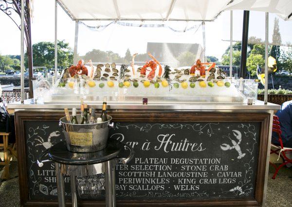 L'Escale's raw bar. (Samira Bouaou/Epoch Times)