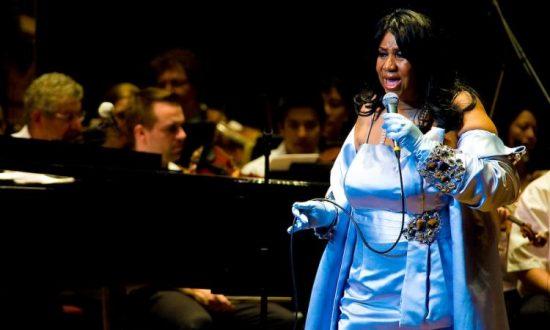 Aretha Franklin Gravely Ill in Detroit Hospital