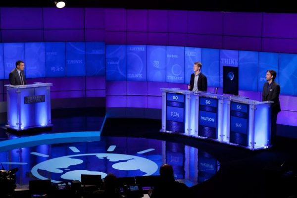 Contestants Ken Jennings and Brad Rutter compete against
