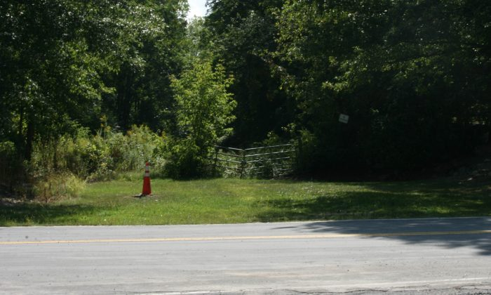 An entrance to the Erie Railway track on Ryerson Road in New Hampton on Sept. 9, 2015. The track runs parallel to McVeigh Road and could possibly be an extension of the Heritage Trail that runs along the old Erie Railway track from Goshen to Monroe. (Holly Kellum/Epoch Times)