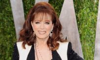 Jackie Collins, Novelist of the Rich and Scandalous, Dies