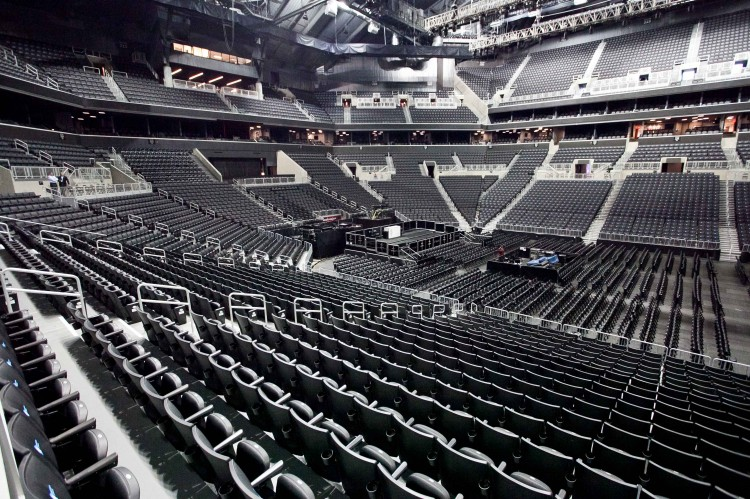 The 19,000-seat arena at Barclays Center shows the steeply racked seating, which brings patrons closer to the action. (Amal Chen/The Epoch Times)