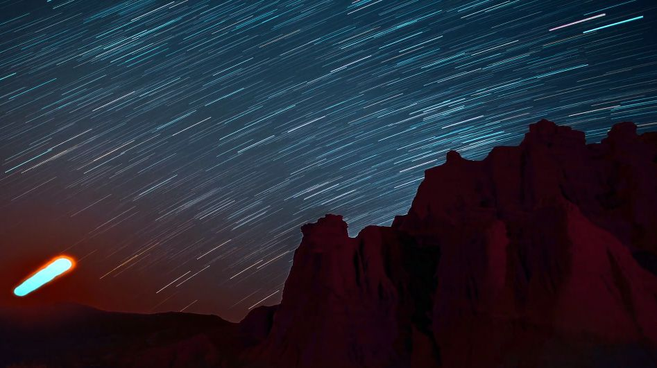 See a Honey Moon Burn Through the Sky in This Stunning 2-Minute Time-Lapse