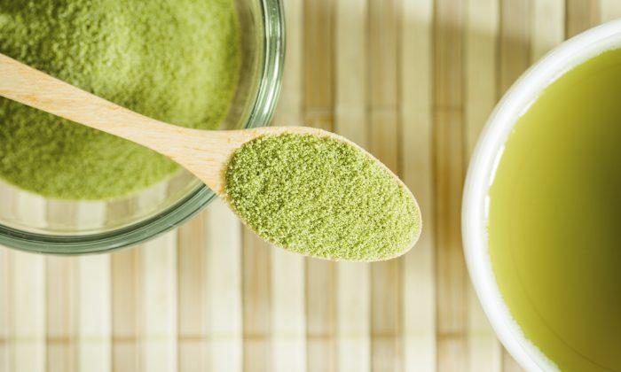 Powdered green tea (TuTheLens/iStock)