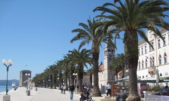 A view of the Split seaside promenade. (Bill Cox/Epoch Times)
