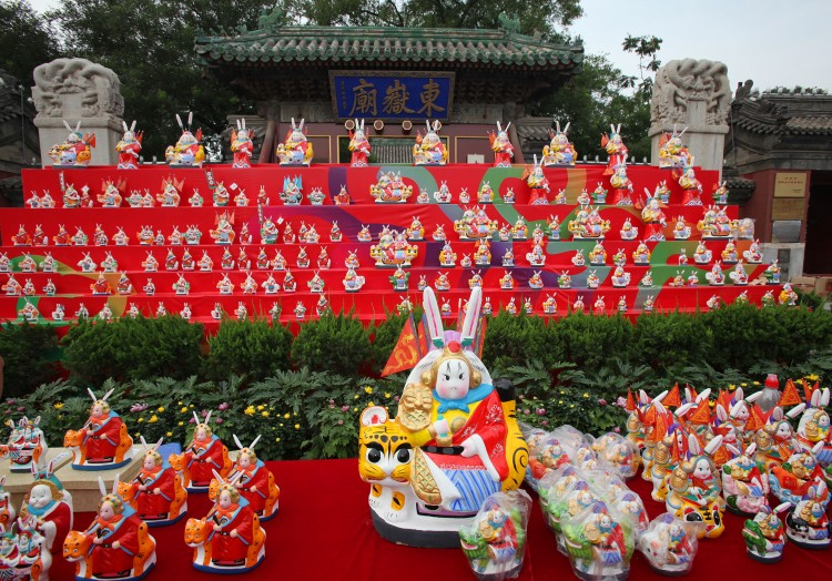 'Grandpa Rabbit' on display in Beijing's Dongyue Temple. (The Epoch Times photo archive)