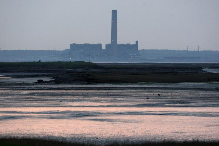 A general view of Kingsnorth coal and oil-fired power station owned by energy company E.ON situated in the Medway Estuary on April 23 in Kent, England. Dutch companies, in addition to British, also have the go-ahead to try pumping C02 emissions undergroun (Oli Scarff/Getty Images)