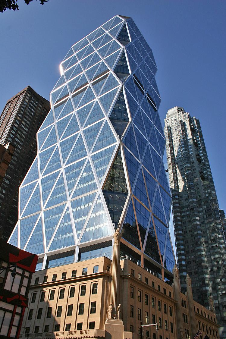 MUTLIFACETED JEWEL: The Hearst Tower on Eighth Avenue is New york City's first occupied LEED Gold Certified building. (Wikimedia Commons)