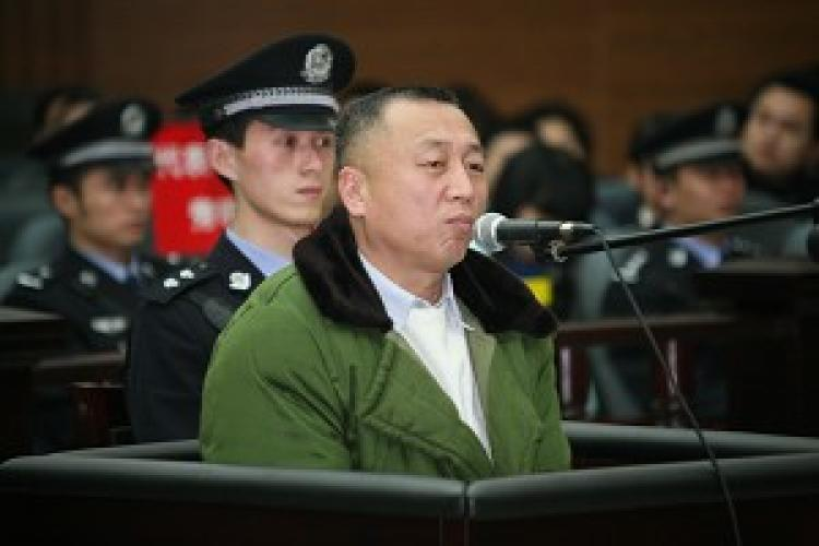 Defense lawyer Li Zhuang, on trial himself in Chongqing, China for allegedly obstructing justice after taking on a political case. He was sentenced to 1.5 years in prison but is appealing. (Dajiyuan )
