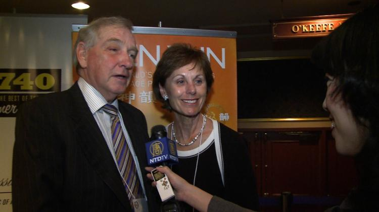 Gordon and Harriet Walker enjoyed the Shen Yun Performing Arts show on Friday night at Canon Theatre. (NTDTV)