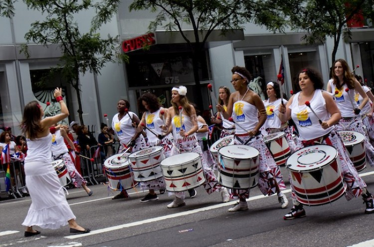 PUERTO RICAN DAY: People celebrate Puerto Rican heritage at the Puerto Rican Day Parade on Sunday on Fifth Avenue. (Phoebe Zheng/The Epoch Times)