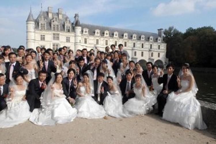 Wedding costs in China have risen greatly over the past 30 years.  (Getty Images)