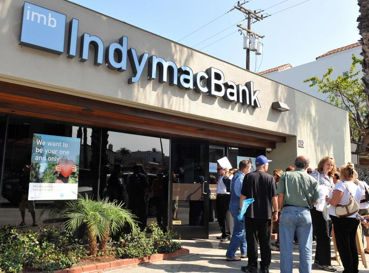 Customers line up in front of an IndyMac Bank branch in Santa Monica, California, on July 14, 2008.  (GABRIEL BOUYS/AFP/Getty Images)