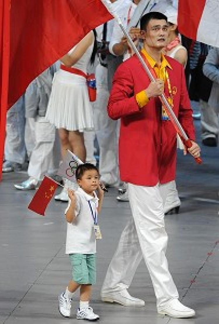 Yao Ming and Lin Hao at the Opening Ceremony of the Beijing Olympic Games on August 8, 2008. (Saeed Khan/AFP/Getty Images)