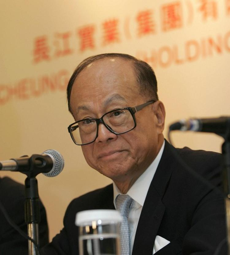 Chairman Sir Ka-Shing Li of Cheung Kong (Holdings) Limited Holding Multiple Fire Sales of  Shanghai Properties. (Getty Images)