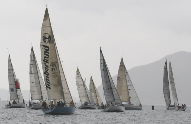 'Red Kite II' (far right with sail number 2093)