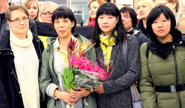 Chen Zhenping pictured with her daughter in Finland on Oct. 9. (NTD Television)