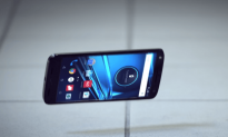How Motorola Made an Unbreakable Smartphone Display
