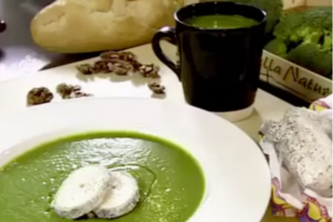 2 Ingredient Broccoli Soup (Video)