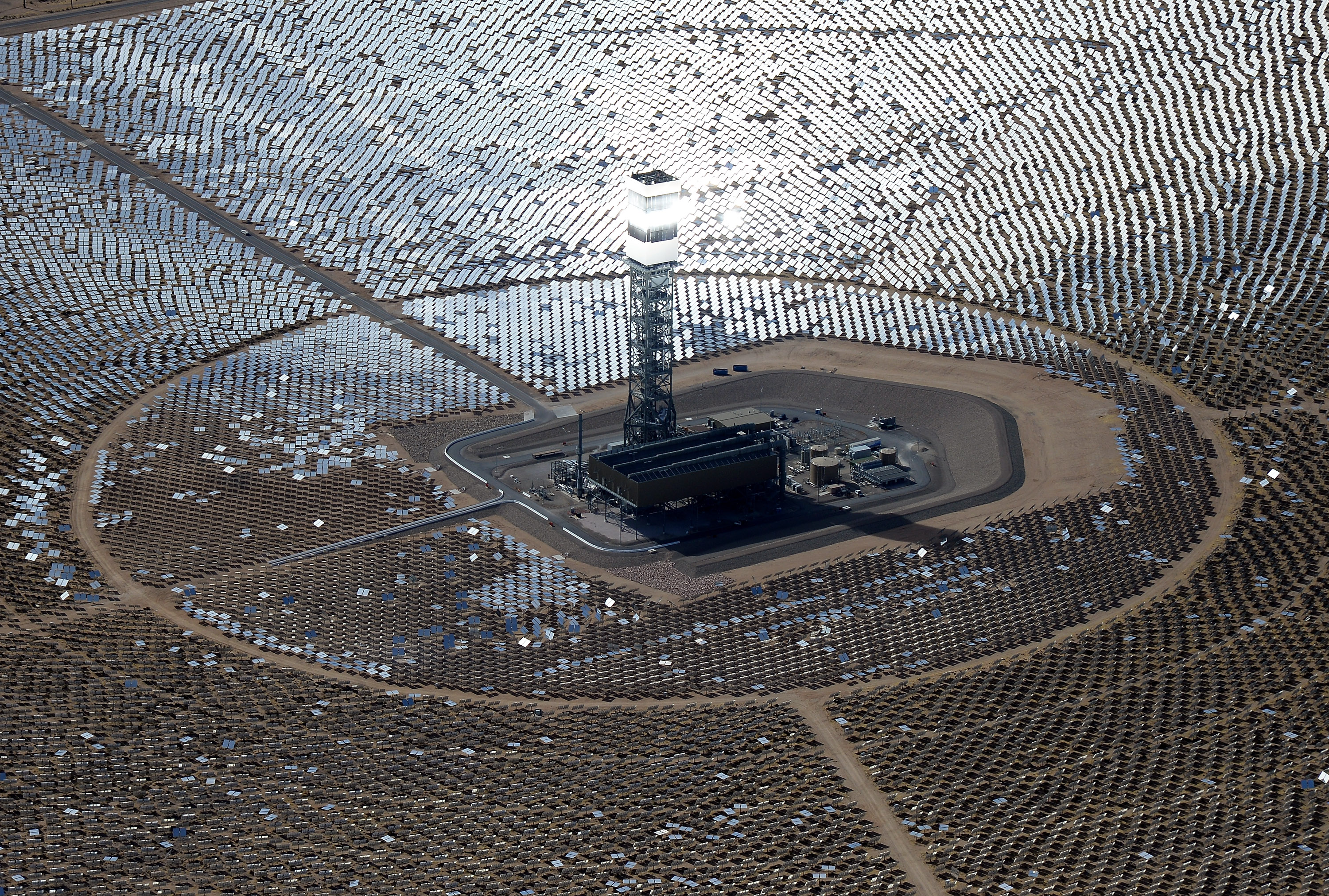 The Cheapest Way to Scale Up Wind and Solar Energy? High-Tech Power Lines