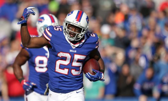 NFL Running Back LeSean McCoy Accused of Beating Girlfriend, Son in Graphic Post